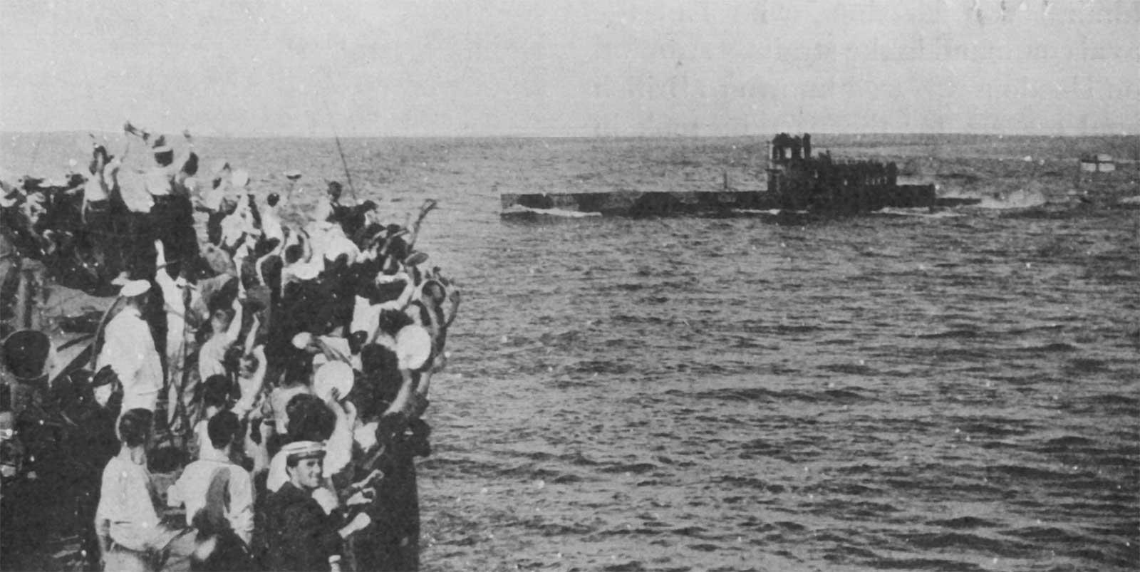 E11 sub in Bosphorus, 1915 ile ilgili görsel sonucu